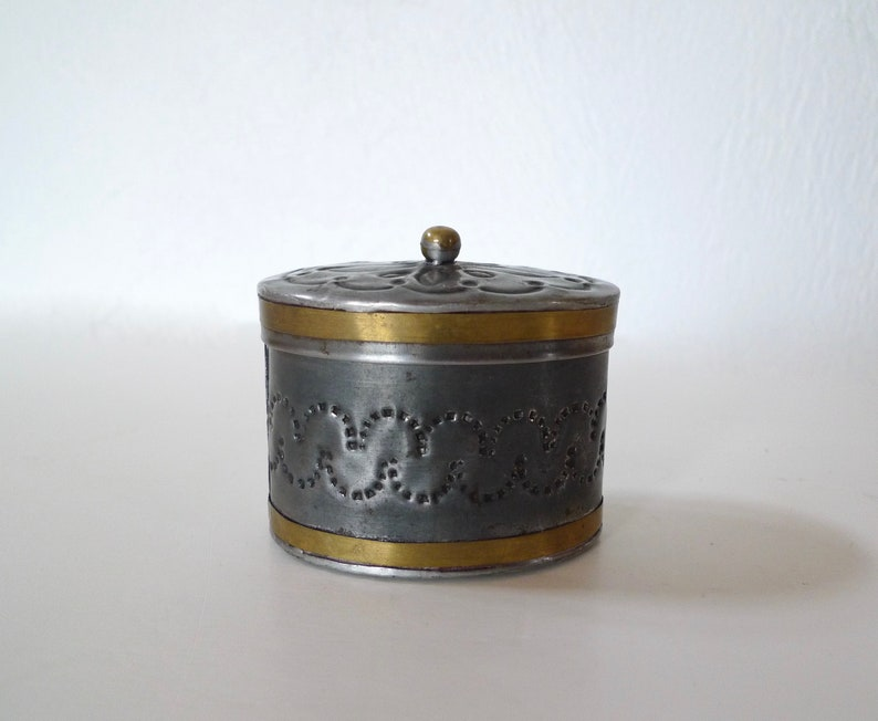 Lidded Box Tinware Box Mexican Folk Art Mexican Tin Box Trinket Box Small Vintage Punched Tin Box Made in Mexico Small Container