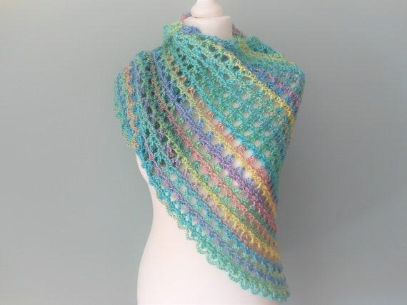 Châle écharpe au crochet pour femmes hiver écharpe foulard   Etsy 925e3e6d133