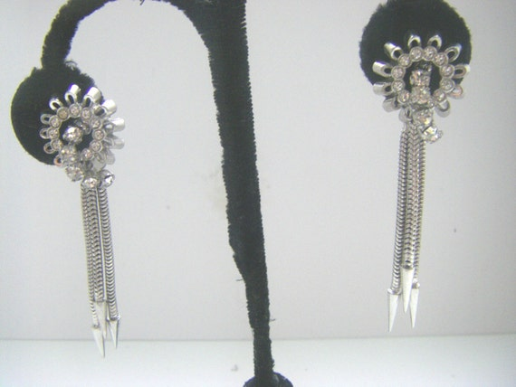 ART DECO EARRINGS 1930s Art Deco earrings. Antique
