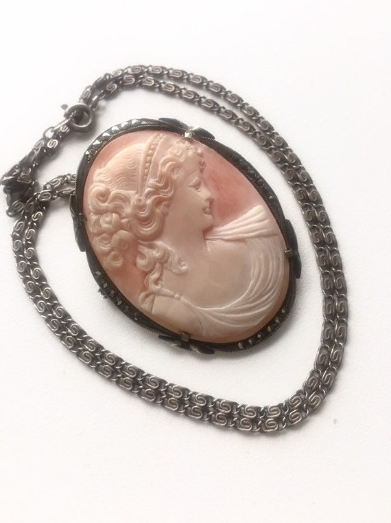 ANTIQUE CAMEO NECKLACE Sterling Cameo Necklace. An