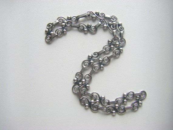 ANTIQUE STERLING NECKLACE: 1940s Sterling Necklace