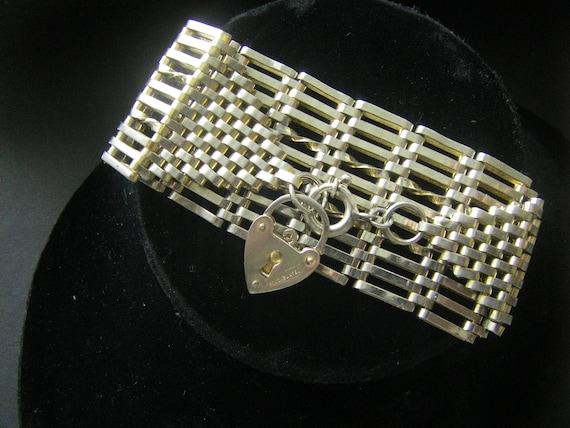 ANTIQUE VICTORIAN BRACELET Victorian Heart Bracele