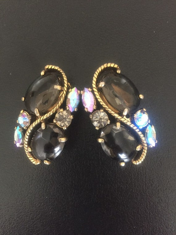 SCHIAPARELLI VINTAGE EARRINGS 1940s  schiaparelli