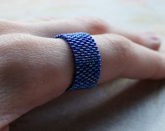 Blue Seed Bead Ring, Peyote Ring, Beaded Ring, Woven Ring, Delica Ring, Bead Band, Rainbow Cobalt Blue, Seed Bead Jewelry, Flexible Ring