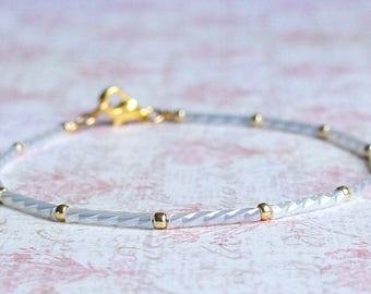 White And Gold Bracelet, Minimalist Bracelet, Beaded BraceletSeed Bead Bracelet, Stacking Bracelet, Simple Bracelet, Dainty Bracelet