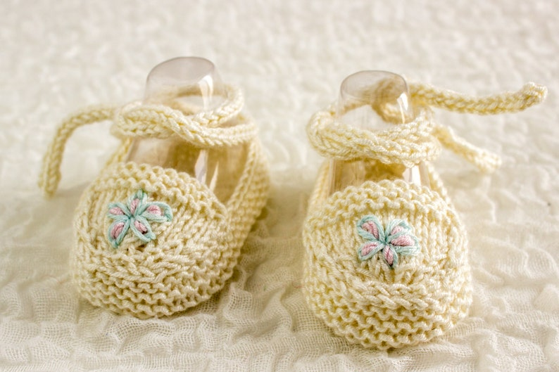 4ecd8dd143aa9 KNITTING PATTERN, Baby Ballet Shoes, Baby Ballet Slippers, Cute Baby  Booties, Baby Girl Shoes , Knitted Baby Ballet Flats, 2 Sizes