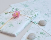 Handprinted japanese paper • Set of 2 large sheets • Wrapping & Decoration • Pattern Wild flowers (green)
