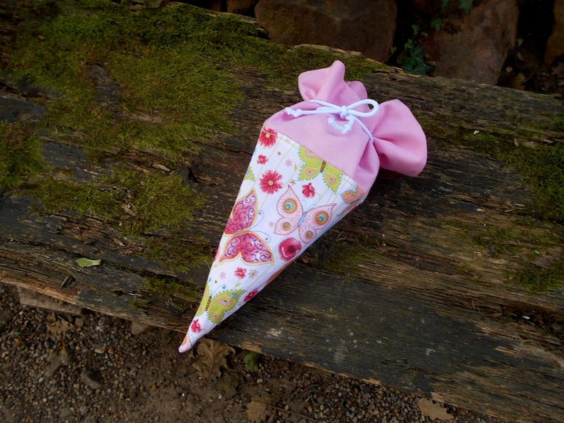 Small Beginning of school schult\u00fcte kinder cone gift cone butterfly