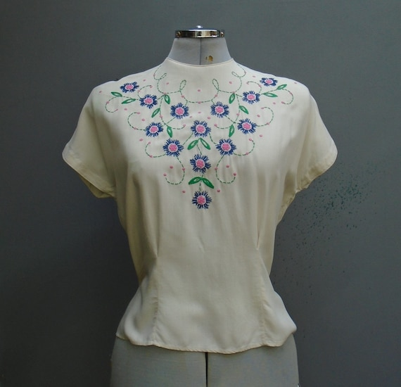 Vintage 1950s Hand Embroidered Dolman Blouse Off W