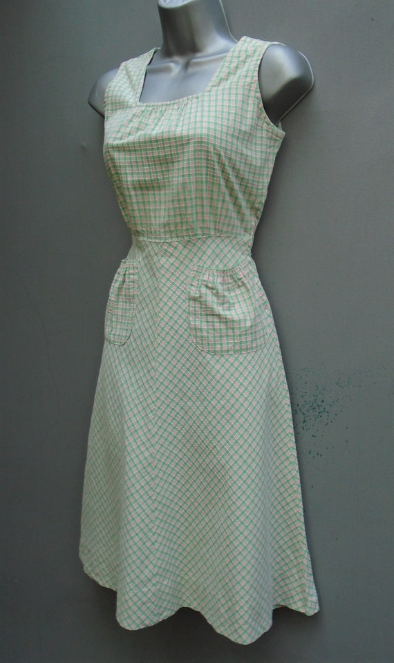 Vintage 1940s Pinafore Sun Dress Checked Pink Gre… - image 4