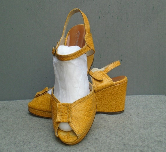REMIX Vintage 1940s Style Shoes Paseo Mustard Yell