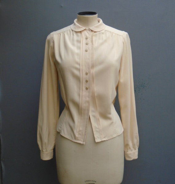 Vintage 1940s Blouse Cream Rayon Long Sleeved Shir