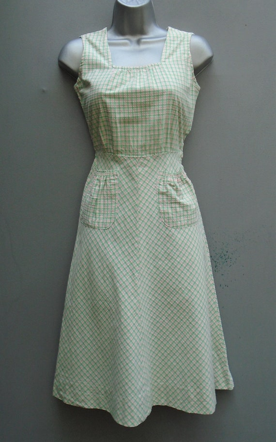 Vintage 1940s Pinafore Sun Dress Checked Pink Gre… - image 3