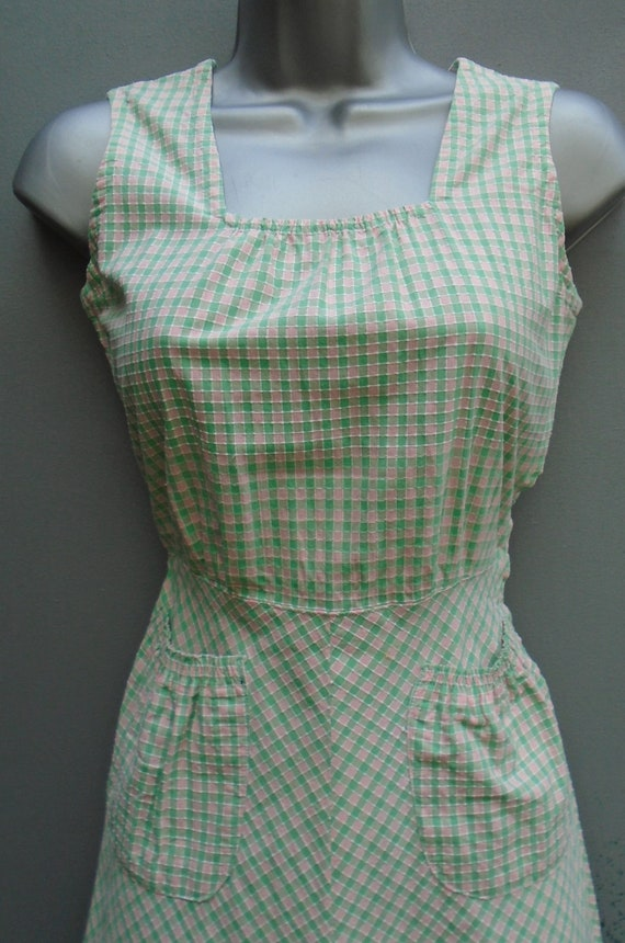 Vintage 1940s Pinafore Sun Dress Checked Pink Gre… - image 2