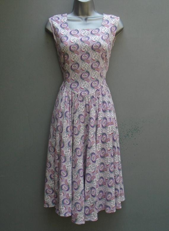 Vintage 1940s 1950s Sun Dress Paisley Printed Rayo