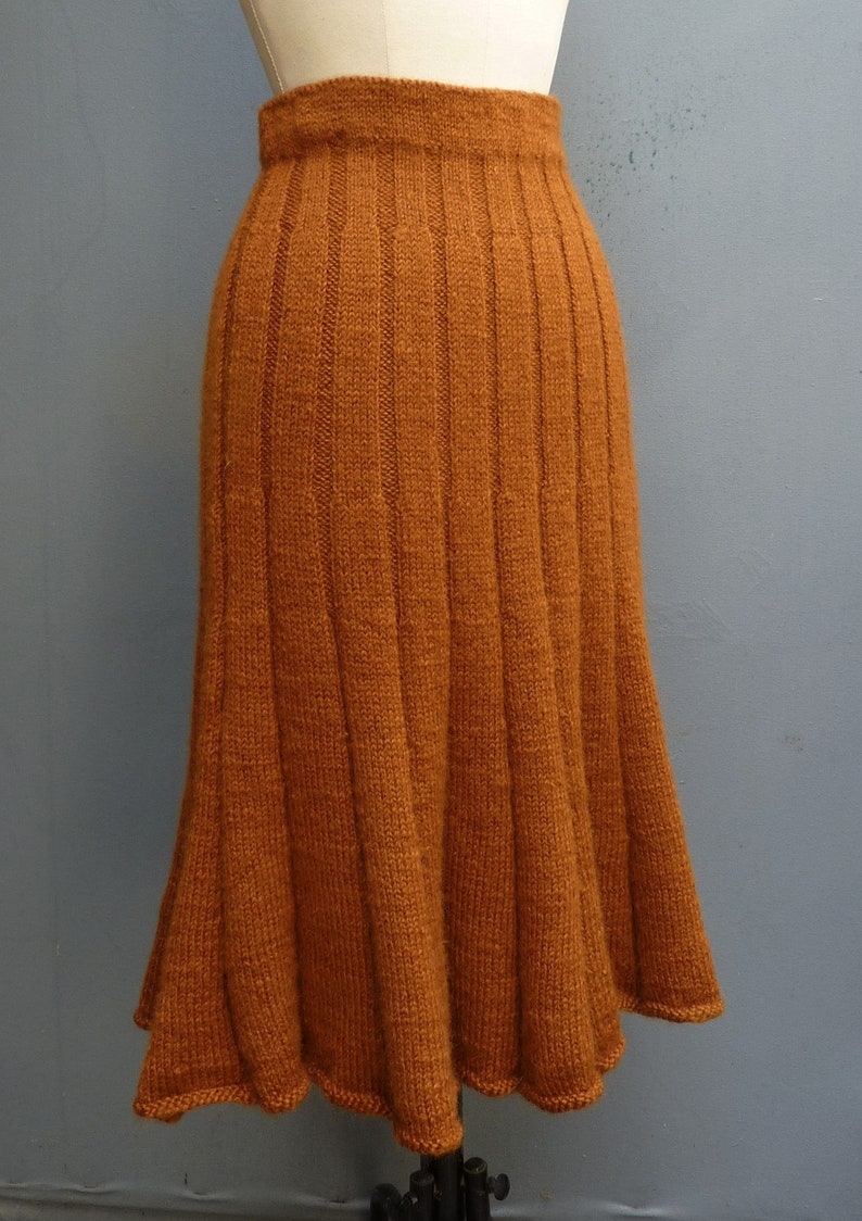 1940s Teenage Fashion: Girls Rare Vintage 1940s Hand Knitted Skirt Ginger Wool 40s WW2 $140.35 AT vintagedancer.com
