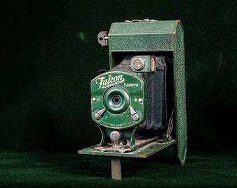 Falcon Folding Camera - Green
