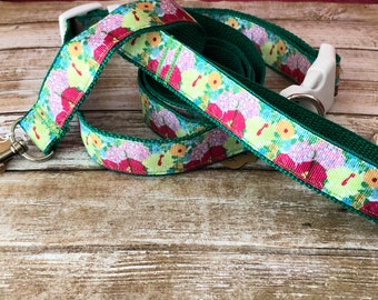 Lilly Pulitzer Dog Collar and Leash Set  in Hibiscus Stroll Print