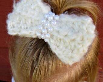 Crochet Hair Bow with Pearls