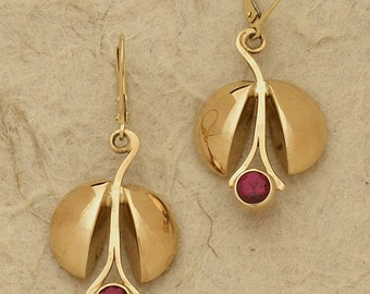 14 kt gold and Ruby Earrings