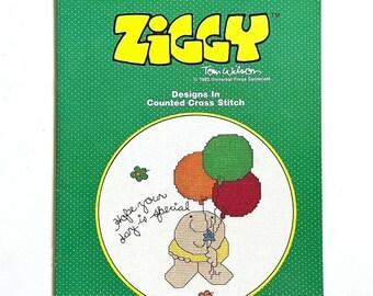 Ziggy looks like love  counted cross stitch pattern book  vintage 1981  Paragon Needlecraft