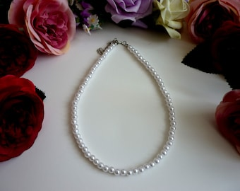 White Pearl Choker Necklace, Dainty Beaded Faux Pearls Necklace, Retro Classy Choker