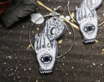 """Witch Planchette Earrings """"Ouija"""" - Fantasy Gothic Occult Vampire Wiccan Witch Hand Festival Lolita Nugoth Visual Kei"""