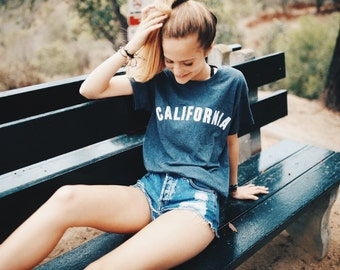 California tee in short sleeve tee heather navy blue