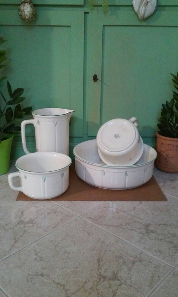 Very old bathroom toiletries toilet set in white and green porcelain made  in Italy Richard Ginori signed original start 1900