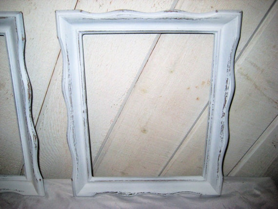 Vintage White distressed pair of picture frames 8 x 10   Etsy