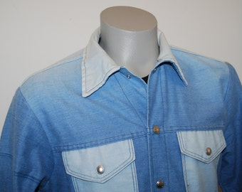 69a4e3fa13 80s two tone denim shirt light jacket blue jean snaps up vtg cool retro  unique 70s unusual shirt-jac metal snaps