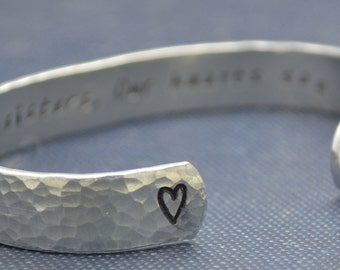 Sister Gift / Sisters jewelry/ Sisters Bracelet / Personalized bracelet / Custom bracelet / Christmas gift / stocking stuffer/Custom jewelry
