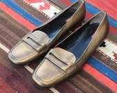 VTG Prada Gold Loafers Sz. 39.5 (US 8.5) Authentic Womens Ladies Leather Shoes Slip Ons Penny Loafers Metallic Gold Shiny Pumps Heels