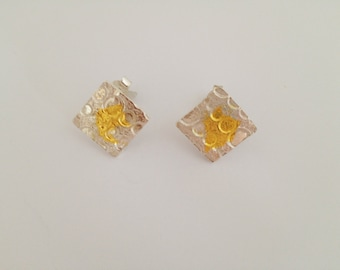 Handmade silver studs, 99,9 % finegold acccents, square shape, beautiful structure, modern handmade jewelry