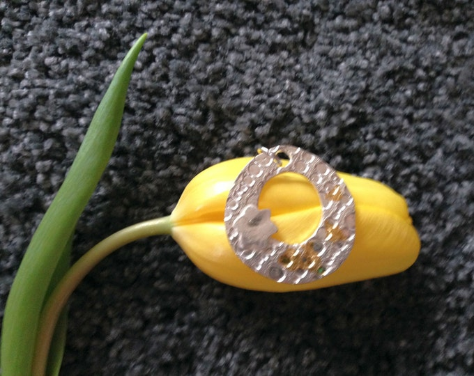 Silver pendant, with fine gold an eyecatcher, unique jewelry, fine structure, Pilbri Design