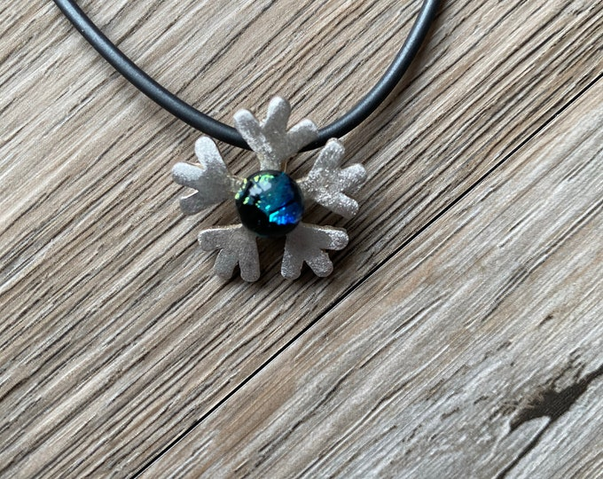Featured listing image: Fine silve snow flake with glass jewel