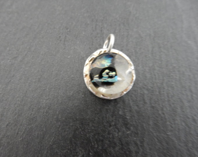 Beautiful small 99,9 % silver pendant, lovely glass cabochon, present for mother, daugter and sister