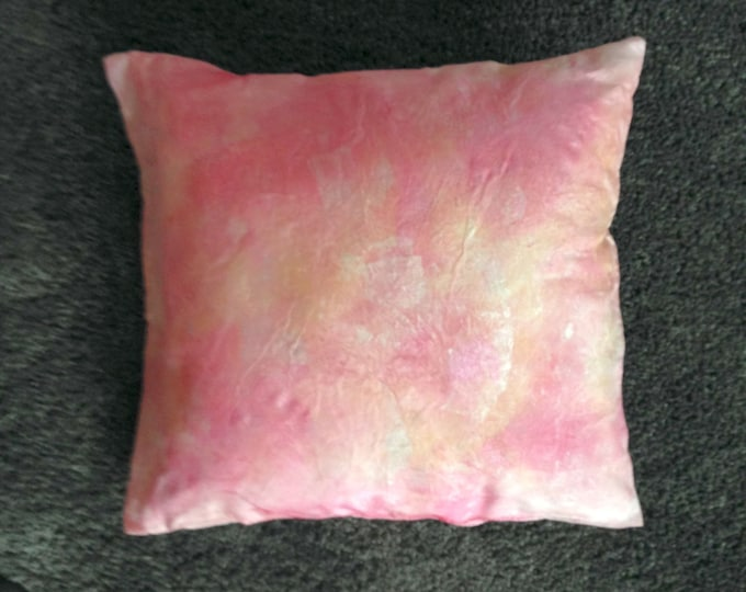 Cushion Pilbri Design handpainted, 100% silk, delivered together with inlet