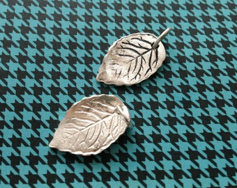 Beautiful leaf pendant, lovely shape, sterling silver snake necklace, with or without patina, unique jewelry Design