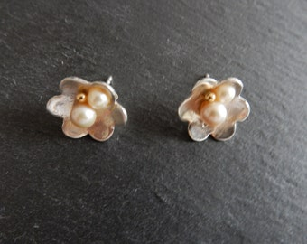 Romantical silver studs, with a gold and a whit pearl, sterling silver posts, unique jewelry Design, flower shape