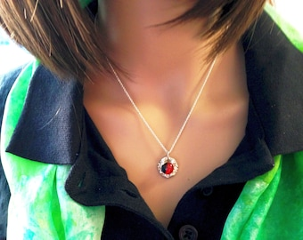 The Pilbri ® Blub,a nice sterling silver necklace with a handcrafted siver pendant with a handcrafted  glasstone