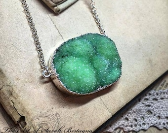 Druze of green Agate necklace - silver plated - by Sarah Bertagna