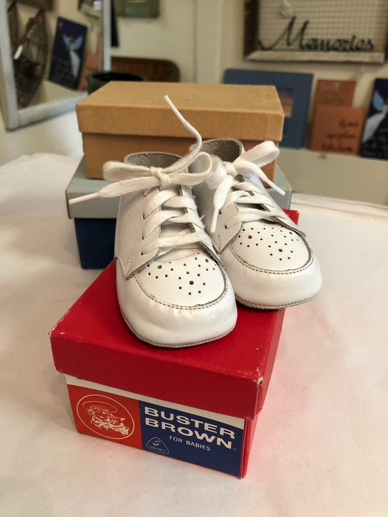 e4a6bd3a07b53 Vintage Buster Brown White Baby Shoes Original Box Plus 2 Empty Baby Kid  Children Shoe Boxes