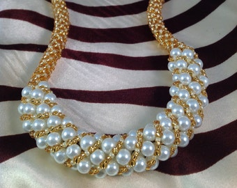 Bead Woven Glass Pearl Necklace