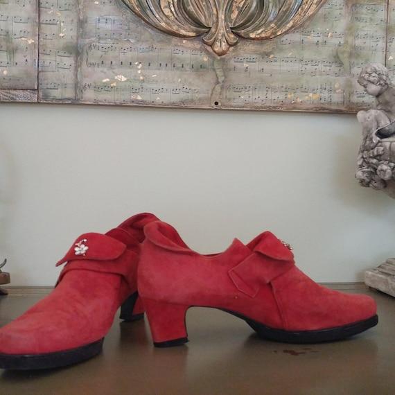 08e015fa301bd 1980s Balenciaga PARIS Suede Heels Pumps Ladies' Shoes – Size 7