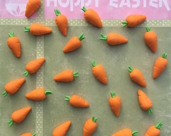 24 fondant carrots