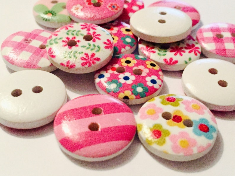 15mm Various Designs Available 15 x 2-Hole Printed Wooden Buttons Round
