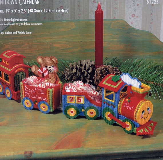Christmas Candy Train.Christmas Count Down Candy Train Plastic Canvas Pattern Needlepoint Christmas Train