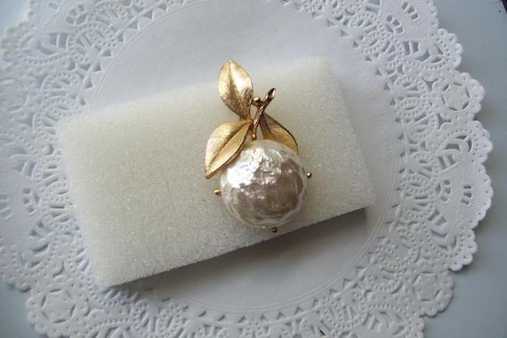 Sarah Coventry Pearl Bloom brooch - Pearl brooch … - image 2