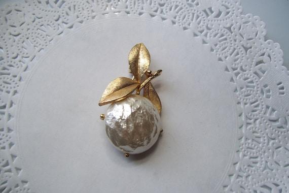Sarah Coventry Pearl Bloom brooch - Pearl brooch … - image 5